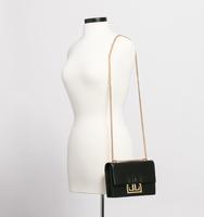 171030 holiday handbag ecomm it5059 001 17113 f v1